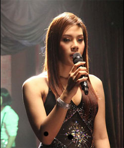 Bell Nuntita Ladyboy Singer